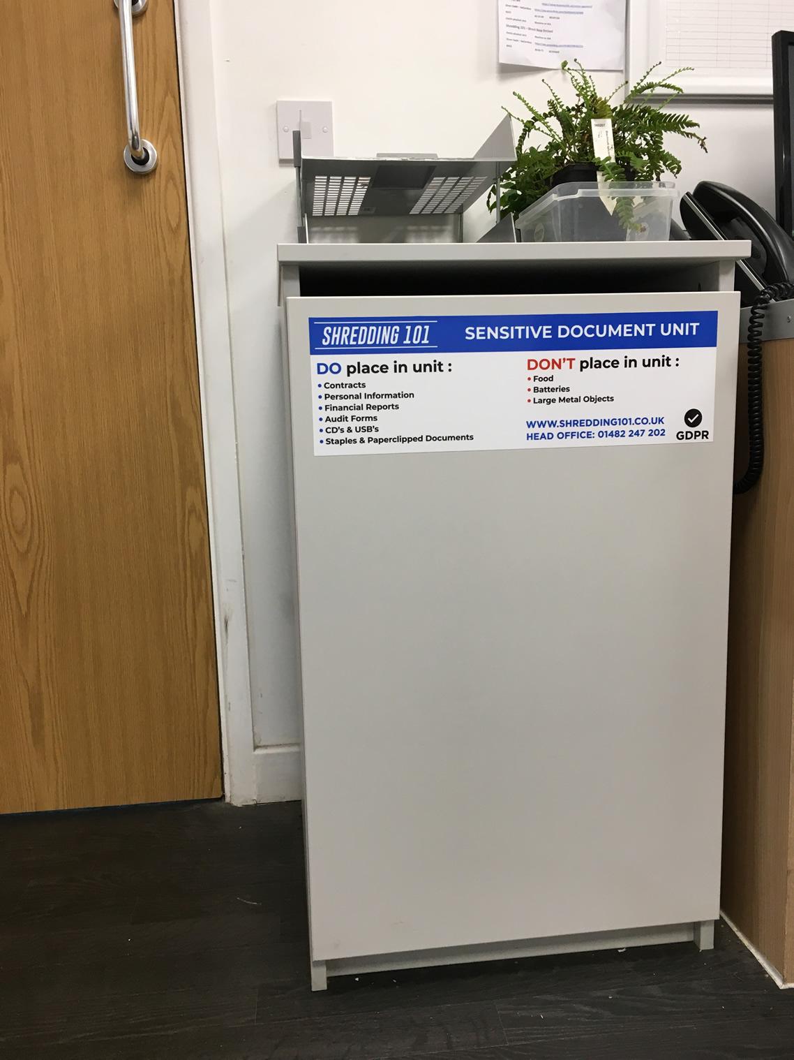 Paper document console for shredding destruction
